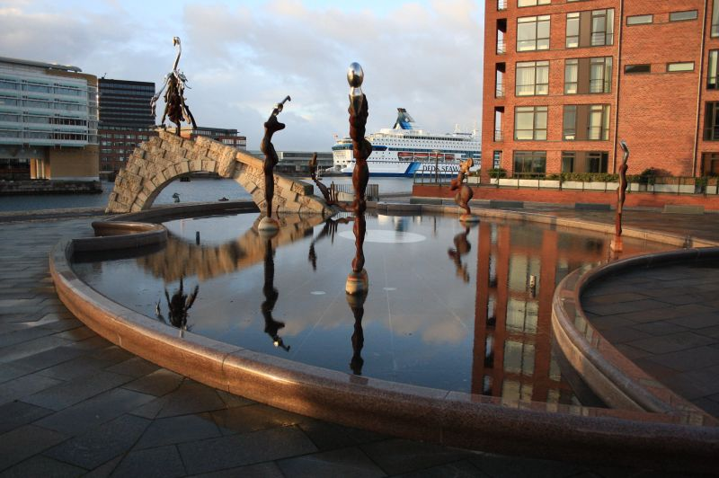 gal/Copenhagen/The_Genetically_Modified_Mermaid/Copenhagen_Genetically_Modified_Mermaid_statue03.jpg
