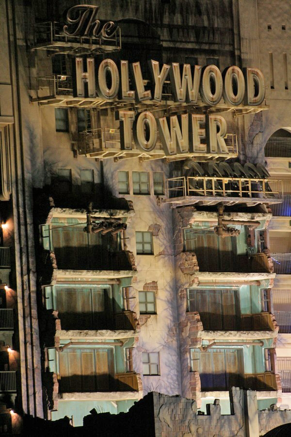 gal/Disneyland_Resort_Paris/The_Twilight_Zone_Tower_of_Terror/001.jpg