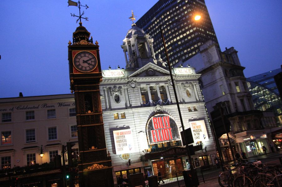 gal/Musical_Theatres/Billy_Elliot_-_Victoria_Palace/Billy_Elliot_Musical00.jpg