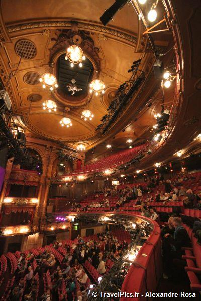 gal/Musical_Theatres/Sister_Act_-_London_Palladium/Sister_Act_Musical_London_Palladium_Whoopy_Goldberg34.jpg