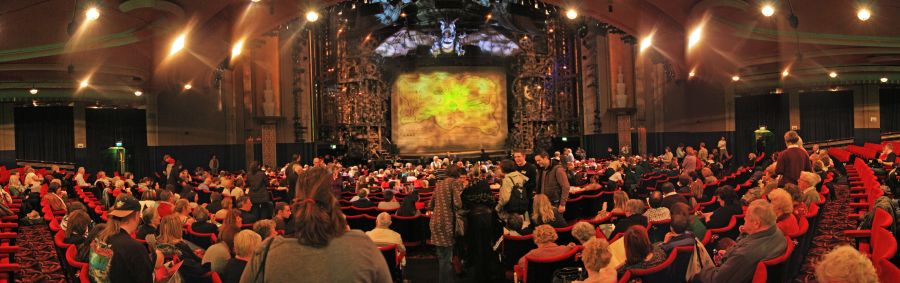 gal/Musical_Theatres/Wicked_-_Apollo_Victoria/Wicked_Musical_London012e.jpg
