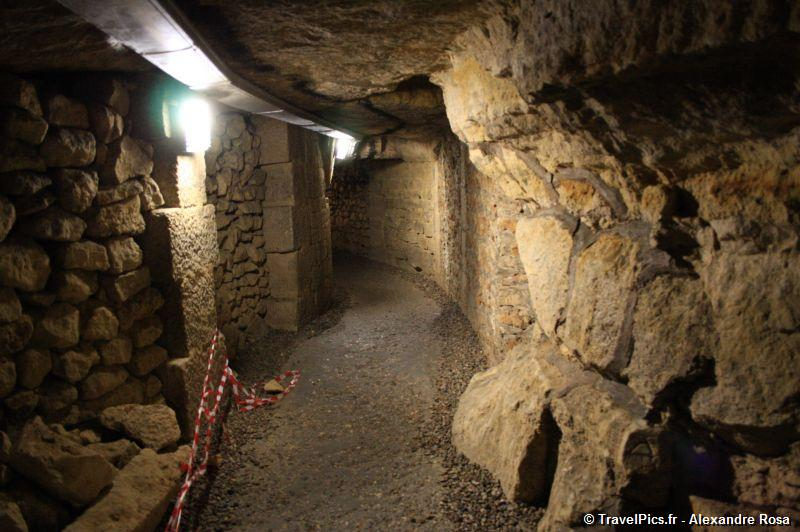 gal/Paris/Catacombes_-_Denfert_Rochereau/Catacombes_de_Paris_Denfert_Rochereau018.jpg