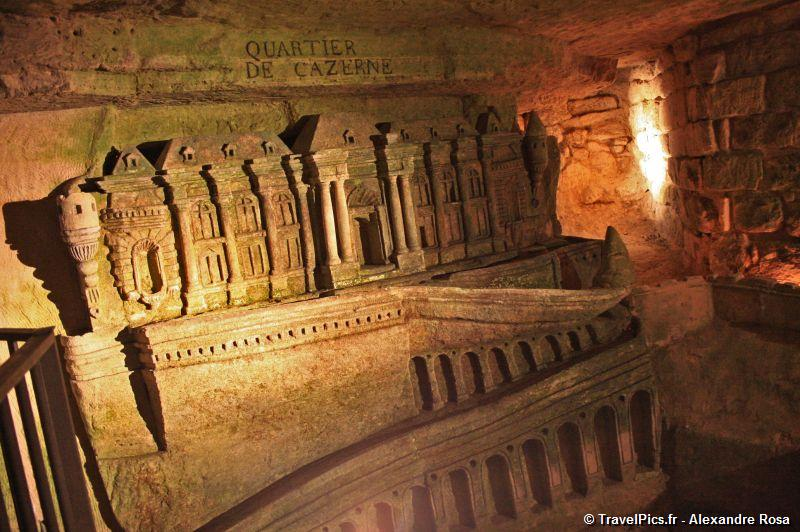 gal/Paris/Catacombes_-_Denfert_Rochereau/Catacombes_de_Paris_Denfert_Rochereau025.jpg