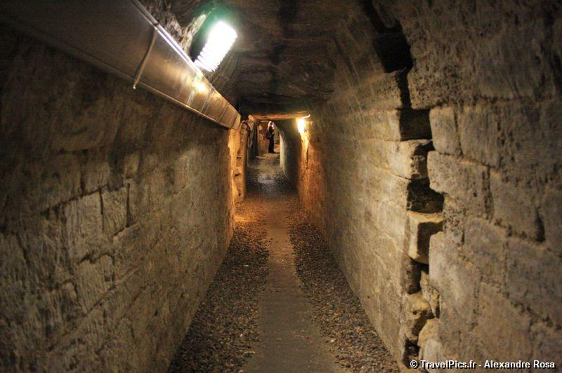 gal/Paris/Catacombes_-_Denfert_Rochereau/Catacombes_de_Paris_Denfert_Rochereau086.jpg