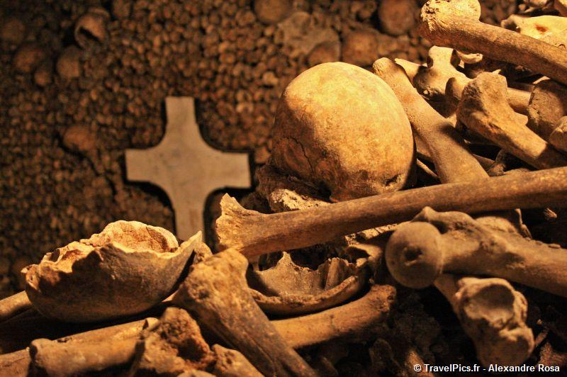 gal/Paris/Catacombes_-_Denfert_Rochereau/Catacombes_de_Paris_Denfert_Rochereau105.jpg