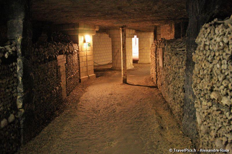 gal/Paris/Catacombes_-_Denfert_Rochereau/Catacombes_de_Paris_Denfert_Rochereau113.jpg