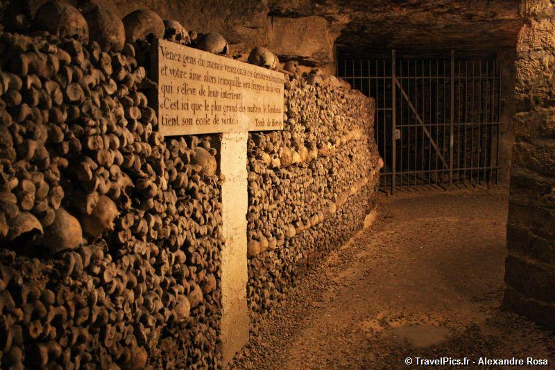 gal/Paris/Catacombes_-_Denfert_Rochereau/Catacombes_de_Paris_Denfert_Rochereau117.jpg