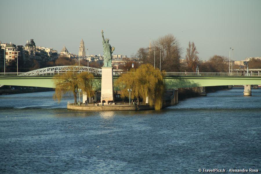 les éléments Statue_de_la_Libert__Paris_Grenelle75