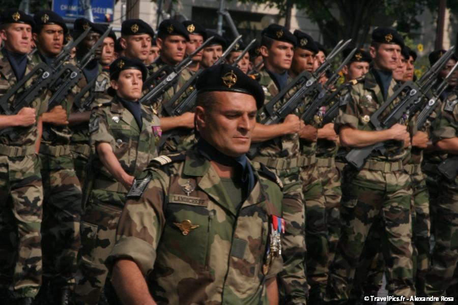 gal/evenements/14_Juillet_-_Defile_Militaire/IMG_6450.JPG