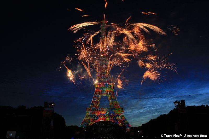 gal/evenements/14_Juillet_-_Feux_Artifices/14_Juillet_2009_Feux_Artifices_Tour_Eiffel092.jpg