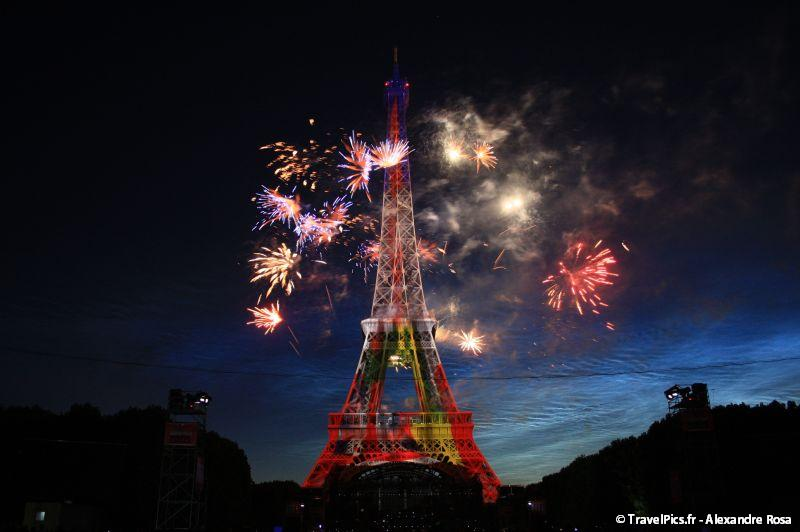 gal/evenements/14_Juillet_-_Feux_Artifices/14_Juillet_2009_Feux_Artifices_Tour_Eiffel102.jpg