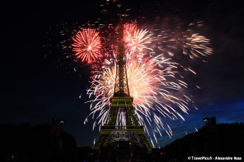 gal/evenements/14_Juillet_-_Feux_Artifices/14_Juillet_2009_Feux_Artifices_Tour_Eiffel106.jpg