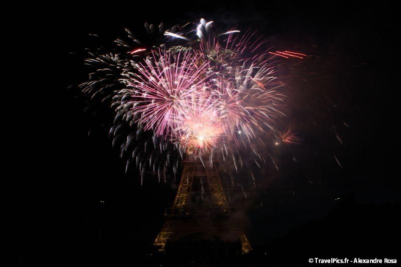 gal/evenements/14_Juillet_-_Feux_Artifices/14_Juillet_2009_Feux_Artifices_Tour_Eiffel131.jpg