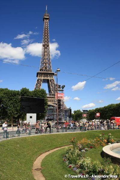 gal/evenements/14_Juillet_-_Feux_Artifices/Concert_Johnny_Hallyday/Johnny_Hallyday_Concert_14_Juillet_2009_Tour_Eiffel011.jpg