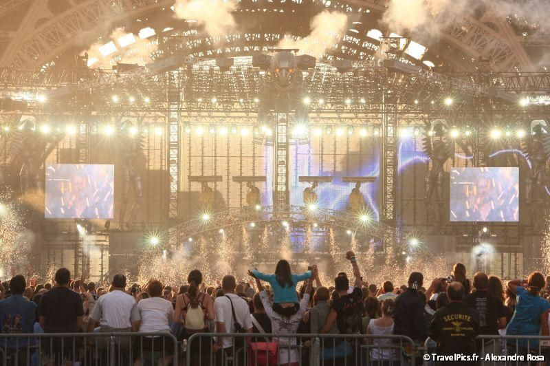 gal/evenements/14_Juillet_-_Feux_Artifices/Concert_Johnny_Hallyday/Johnny_Hallyday_Concert_14_Juillet_2009_Tour_Eiffel132.jpg