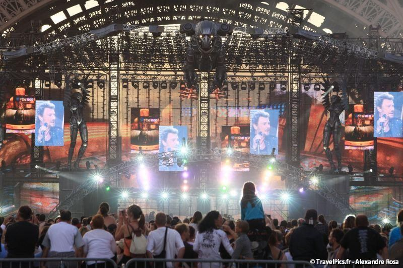gal/evenements/14_Juillet_-_Feux_Artifices/Concert_Johnny_Hallyday/Johnny_Hallyday_Concert_14_Juillet_2009_Tour_Eiffel192.jpg