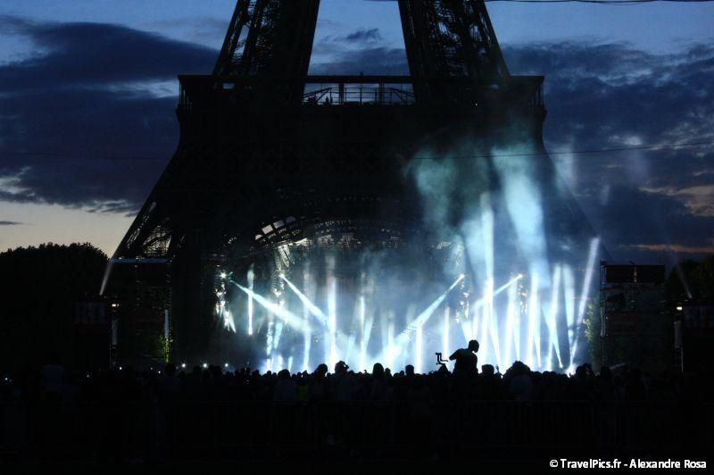 gal/evenements/14_Juillet_-_Feux_Artifices/Concert_Johnny_Hallyday/Johnny_Hallyday_Concert_14_Juillet_2009_Tour_Eiffel443.jpg